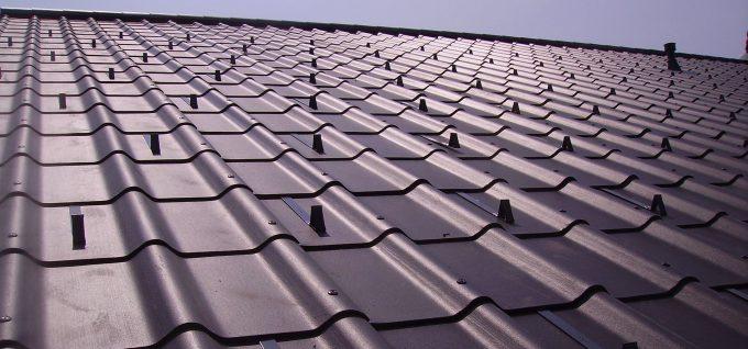 Dach mit Toscana-Platten