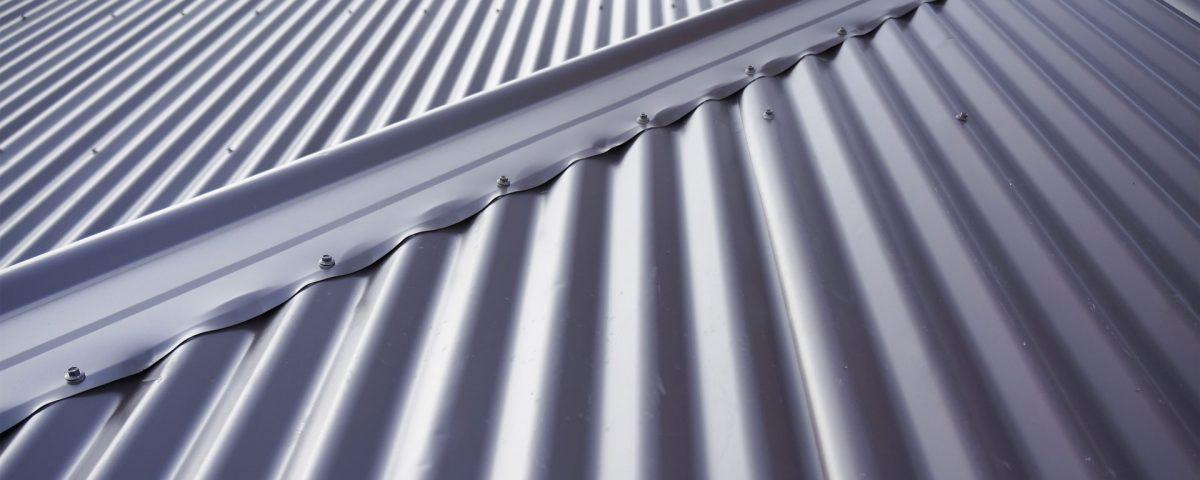 Wellplatte Detail in Grau