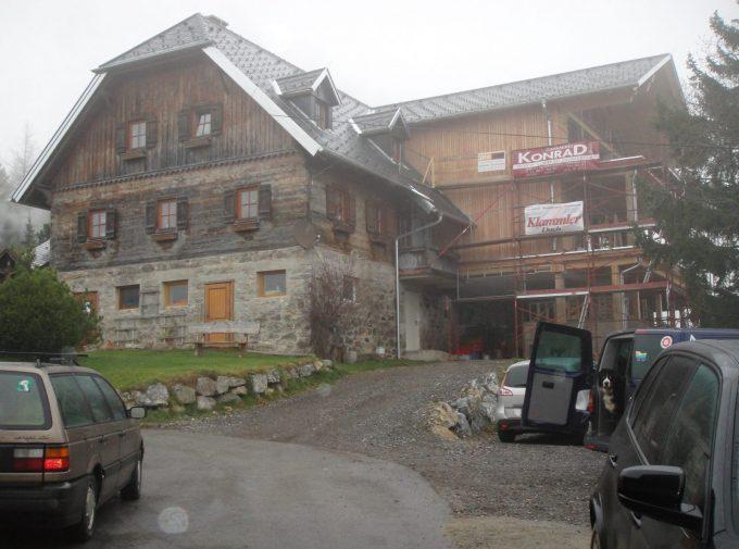 Neues Dach für altes Bauernhaus